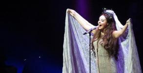 Sarah Brightman performs in 2013 (Source: carpediem.28_50)