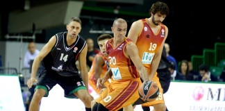 Carlos Arroyo plays in the Turkish basketball league