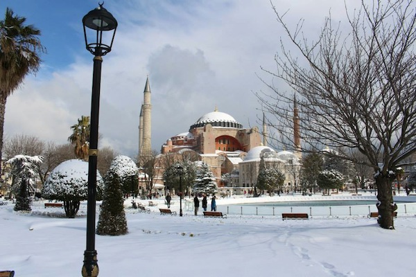 living in istanbul snow